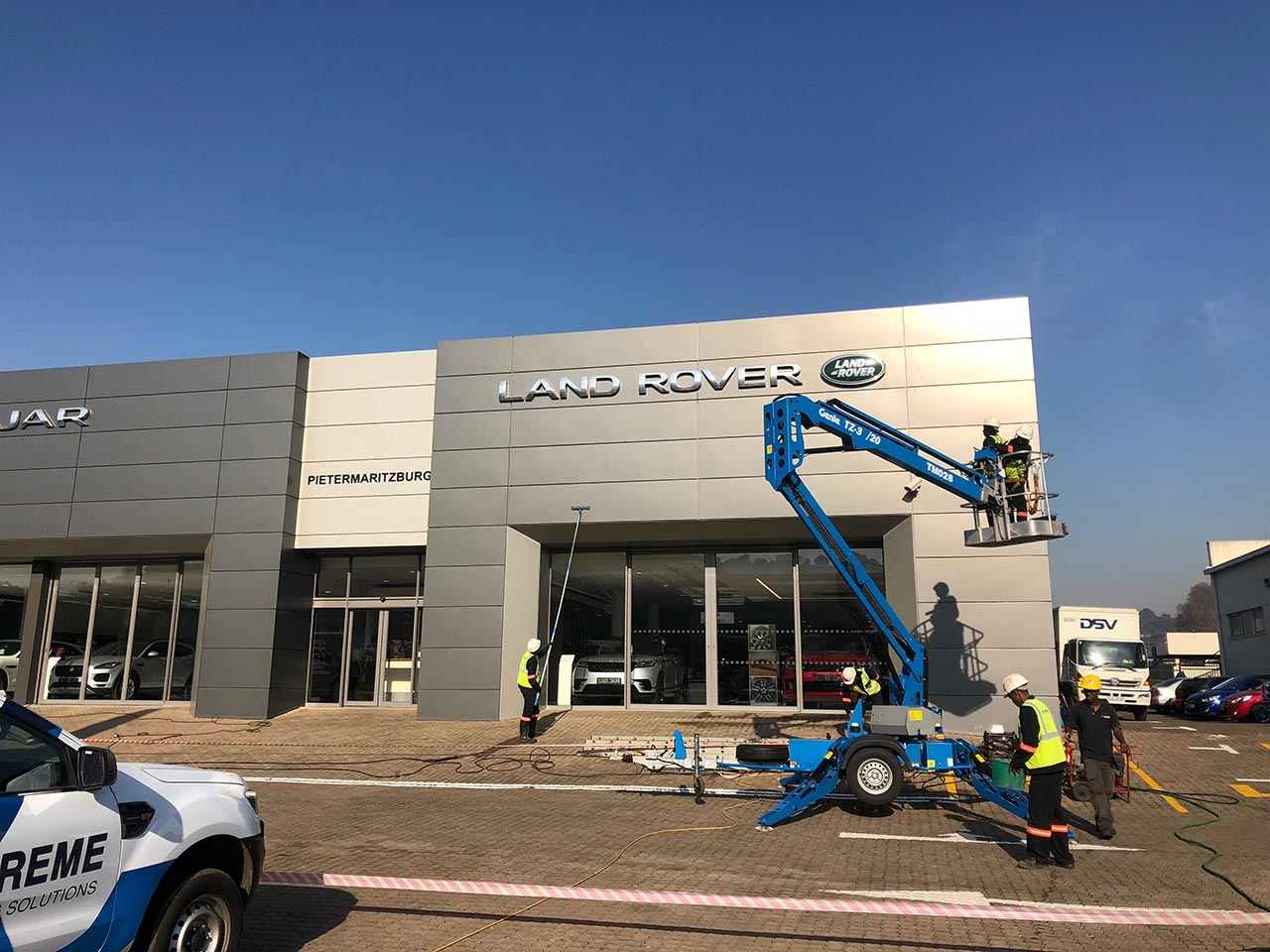 Dealership Shopfront Cleaning2
